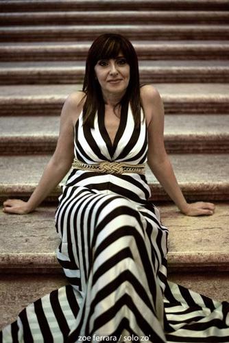 La pianista Giuseppina Torre presso la Libreria Feltrinelli di Milano