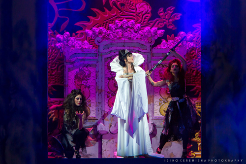 Regina di ghiaccio, lo spettacolo al teatro Brancaccio di Roma