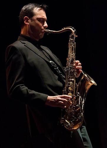 Luca di Luzio Blue(s) Room Trio in concerto per la rassegna Jazz&Wine special guest Alessandro Fariselli