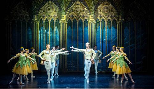 I Russian Stars in il Lago dei Cigni al Teatro Brancaccio di Roma