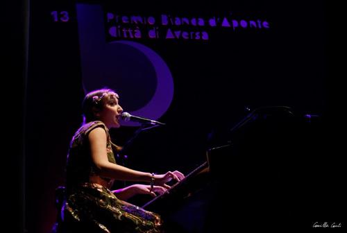 Premio Bianca d'Aponte, il bando per cantautrici