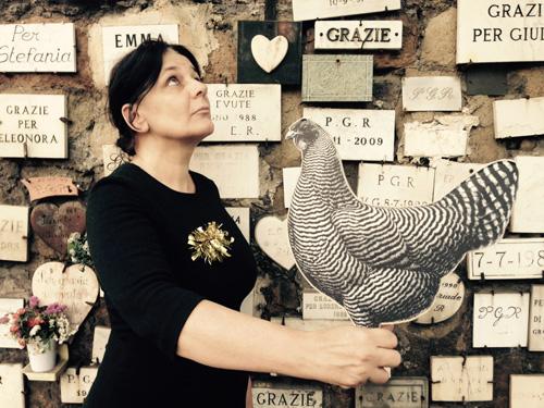 Prego, la gallina la guerra e io. Di e con Giovanna Mori al Brancaccino di Roma