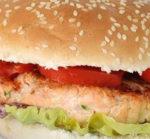 Hamburger sfizioso a base di salmone