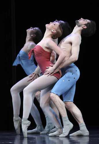La compagnia olandese Introdans per la prima volta a Ravenna con tre coreografie di Hans van Manen
