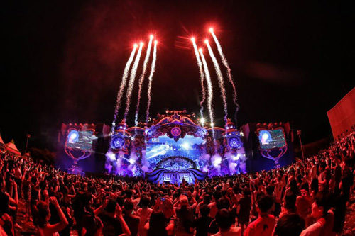 Unite with Tomorrowland per la prima volta in Italia al Parco di Monza e contemporaneamente in altri 7 Paesi
