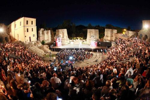 Luciano Ligabue ospite d'eccezione dell'apertura della seconda edizione del Festival Nazionale Del Cinema