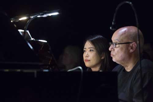 Jarrett, Glass e Stravinskij nel piano duo di Dennis Russell Davies e Maki Namekawa