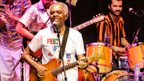"""Gilberto Gil: torna in Italia per far rivivere l'album """"Refavela 40"""". Special Guests Chiara Civello e Mayra Andrade"""