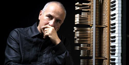 Danilo Rea suona Beatles e Rolling Stone: il pianista jazz in Something in our way al XXX CivitaFestival