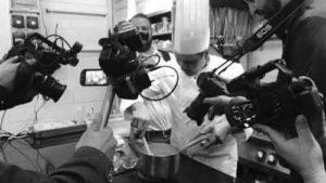 Niko Sinisgalli in cucina