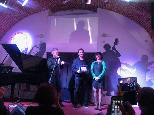 Simone Frulio vince il primo premio al Biella Festival Music Video 2018 con il video del singolo Battito di mano