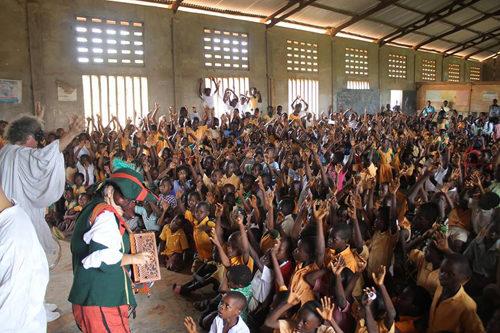 Teatri senza frontiere di ritorno dal Ghana