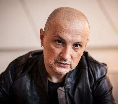 """È questa la notte, il singolo di Adolfo Durante, con il patrocinio di """"Voci Per La Libertà – Una Canzone Per Amnesty"""""""