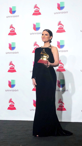 "Laura Pausini trionfa ai Latin Grammy Awards 2018, vince il premio ""Best Traditional Pop Vocal Album"""