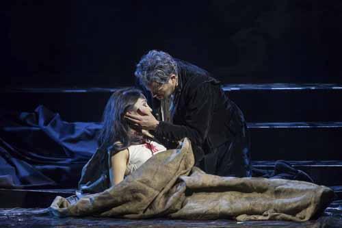 Rigoletto in scena per l'ultima replica al Teatro Alighieri di Ravenna