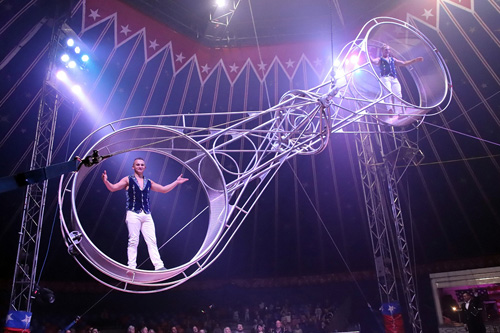 Arriva a Roma l'American Circus, il più grande circo del mondo a 3 piste