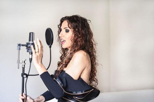 Danila Satragno live al Boma di Varazze per il concerto benefico Natale in Jazz e a Savona per la serata Jazz Night