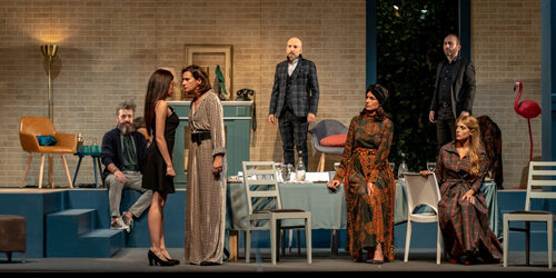 Anna Valle in Cognate – Cena in famiglia al Teatro Traiano di Civitavecchia