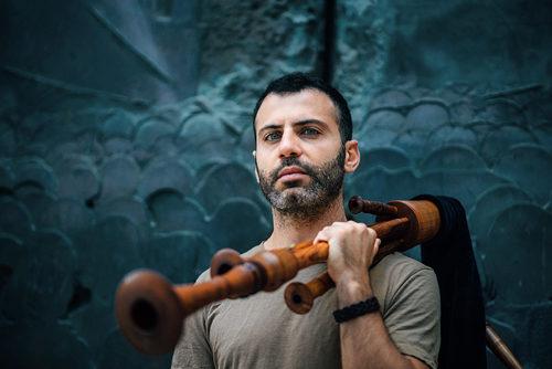 Di zampogne, partenze e poesia, il disco d'esordio del polistrumentista Giulio Bianco