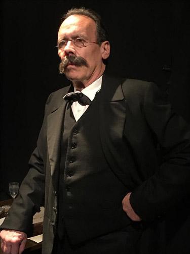 Ennio Coltorti in Il Sogno di Nietzsche, il travaglio e il pensiero del filosofo dal 29 gennaio al Teatro Stanze Segrete di Roma
