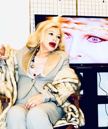 Sandra Milo alla mostra in commemorazione di Federico Fellini