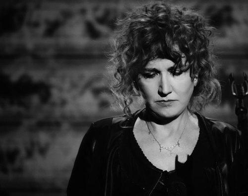 """Fiorella Mannoia, da oggi online il video del singolo """"Il peso del coraggio"""""""