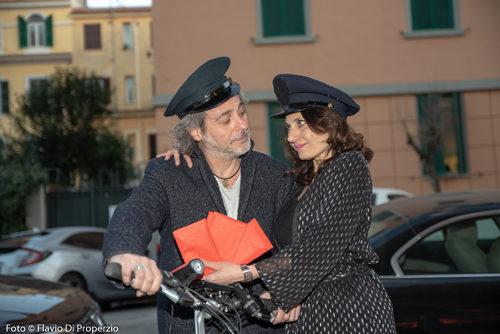 """Omaggio a Troisi a teatro, con lo spettacolo """"Mó me lo segno"""", e sulle due ruote con un raduno di Postini Salva Cuore"""