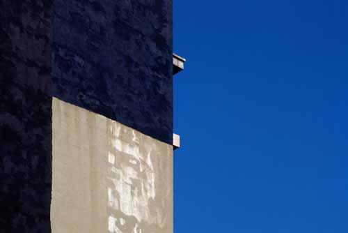 Sintesi. Modena rende omaggio a Franco Fontana con una mostra che ripercorre l'intera carriera del fotografo modenese