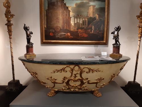 Una preziosa vasca del '700, un Cristo del Mille. A Padova Antiquaria l'arte parla attraverso 80 antiquari