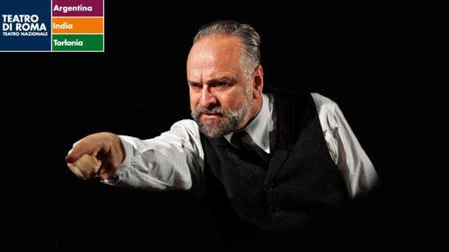 Massimo Popolizio in Un nemico del popolo in prima nazionale al Teatro Argentina di Roma