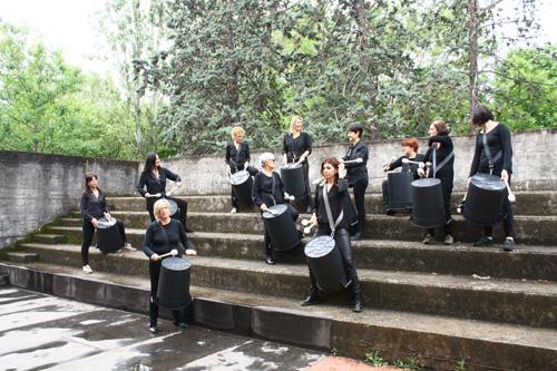"""""""MUSICAMAESTRE"""" Musiche da fare. Lezione concerto con voce, oggetti, strumenti e body percussion. L'appuntamento al Teatro di Villa Pamhilj di Roma"""