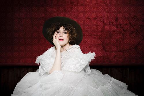 Adel Tirant presenta il nuovo disco 'Adele e i suoi eroi' a Na Cosetta di Roma