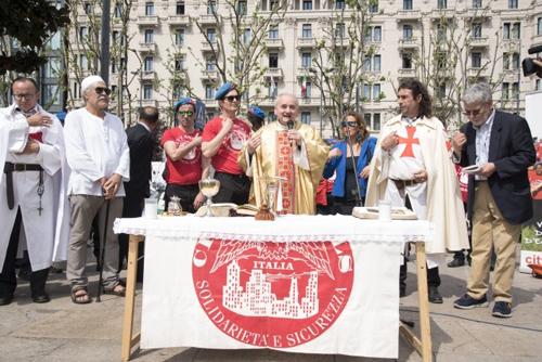 City Angels, domani Messa e festa della vigilia di Pasqua a Milano a mezzogiorno tra i clochard della Stazione Centrale