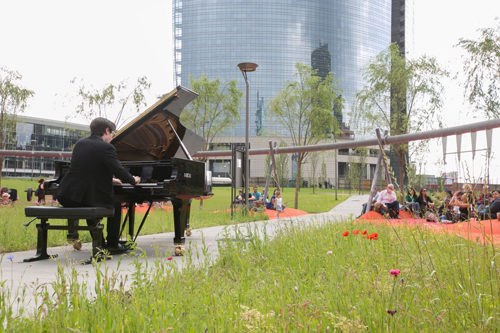 Piano City Milano, il festival di pianoforte che trasforma la città in una grande sala da concerto