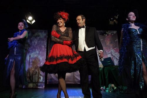 """Grandi applausi al Teatro Petrolini per le meraviglie della Bella Epoque con lo spettacolo Viaggio nel tempo con """"Femmes"""""""