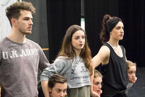 """Human[s]. Installazione/performance di danza di Massimiliano Melato e Compagnia CON-Temporanea """"Nine"""" al Teatro Libero di Roma"""