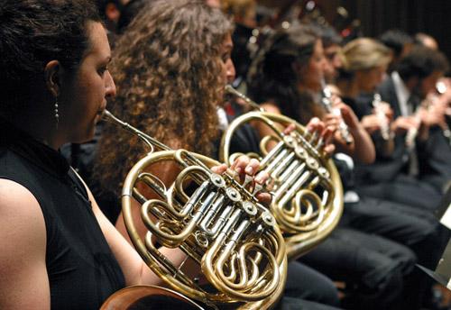 Un mare di musica, in motonave fino al concerto del quintetto di ottoni della Cherubini