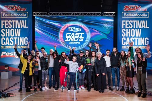 Grande successo di pubblico per le finali di Festival Show Casting: annunciati i 12 artisti emergenti che calcheranno questa estate il palco del festival