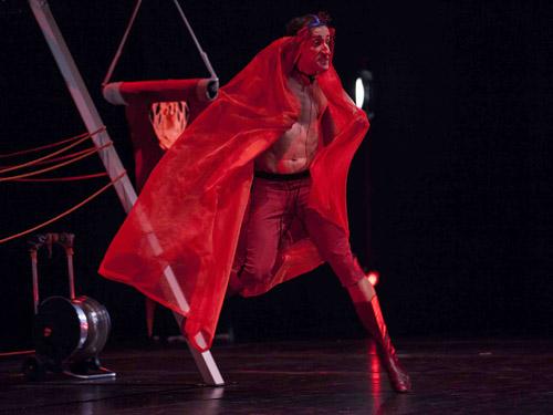 Il teatro geniale dei Leoni d'Oro Antonio Rezza e Flavia Mastrella arriva al Teatro di Ostia Antica per OSTIA ANTICA FESTIVAL – Il Mito e il Sogno 2019