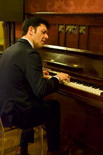 Oscar, leader degli Statuto, aprirà il concerto di Tony Hadley al Gru Village di Grugliasco