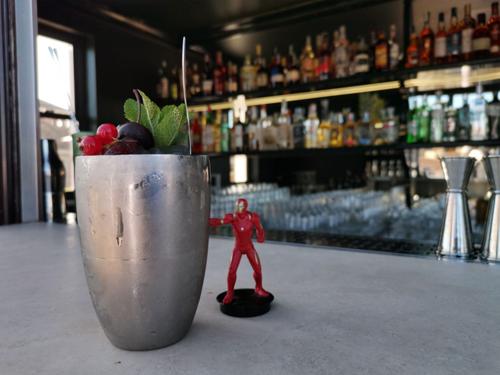 Il drink inedito Iron Man-Go Punch del barman Nicholas Pinna omaggia Avengers: Endgame