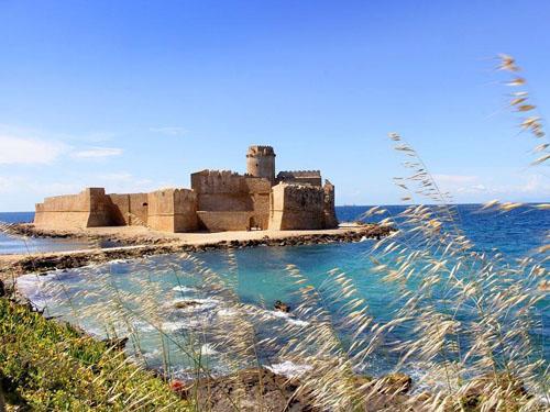 """La fortezza di """"Le Castella"""" di Isola Capo Rizzuto apre i battenti il 15 luglio 2019"""
