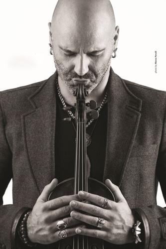 """Alessandro Quarta presenterà live in Piazza Duomo a Salò il suo ultimo album """"Alessandro Quarta Plays Astor Piazzolla"""""""