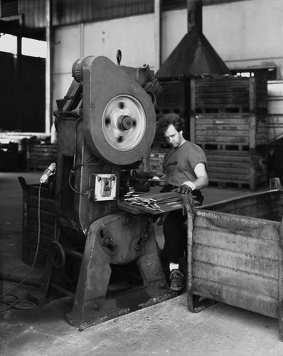 JOBS. Forme e spazi del lavoro nel tempo della Quarta rivoluzione industriale, il concorso fotografico per fotografi Under 35