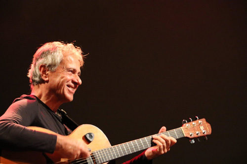 Al Parco Schuster di Roma l'11 agosto è di scena Michele Ascolese: il suonatore Faber
