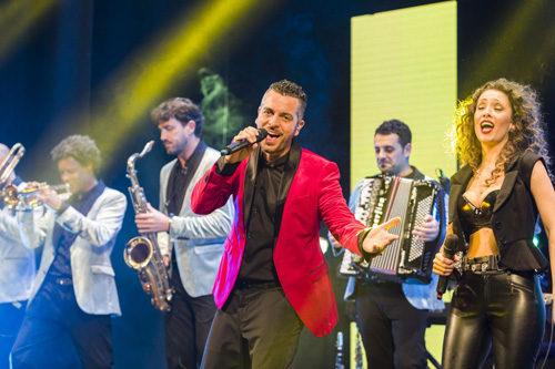 Prosegue il tour estivo in tutta Italia di Mirko Casadei, alla guida della storica orchestra Casadei