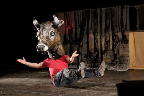 Teatri d'Arrembaggio per Ferragosto: comicità forsennata, magia delle fiabe e creatività sostenibile