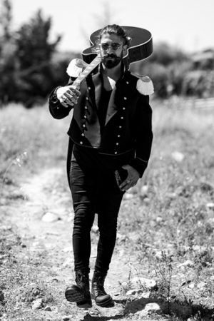 """Garibaldi attraversa l'Italia con il suo primo singolo """"Ballo balcano"""""""