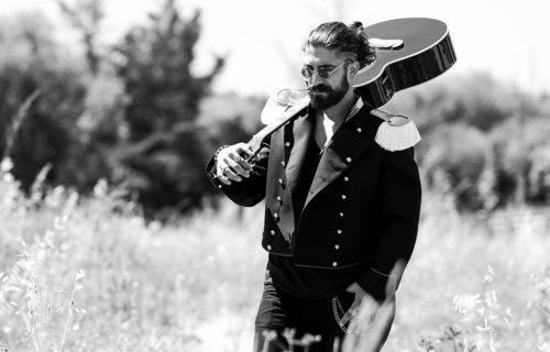 """E' online il videoclip del brano """"Ballo balcano"""", primo brano del cantautore ligure Garibaldi"""