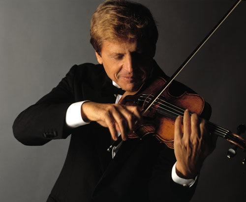 Il violinista Uto Ughi in concerto a Ferrara con il Maestro Alessandro Specchi